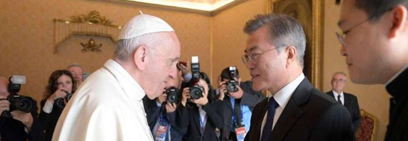 Papa Francisco envía mensaje al presidente surcoreano sobre la paz en la península