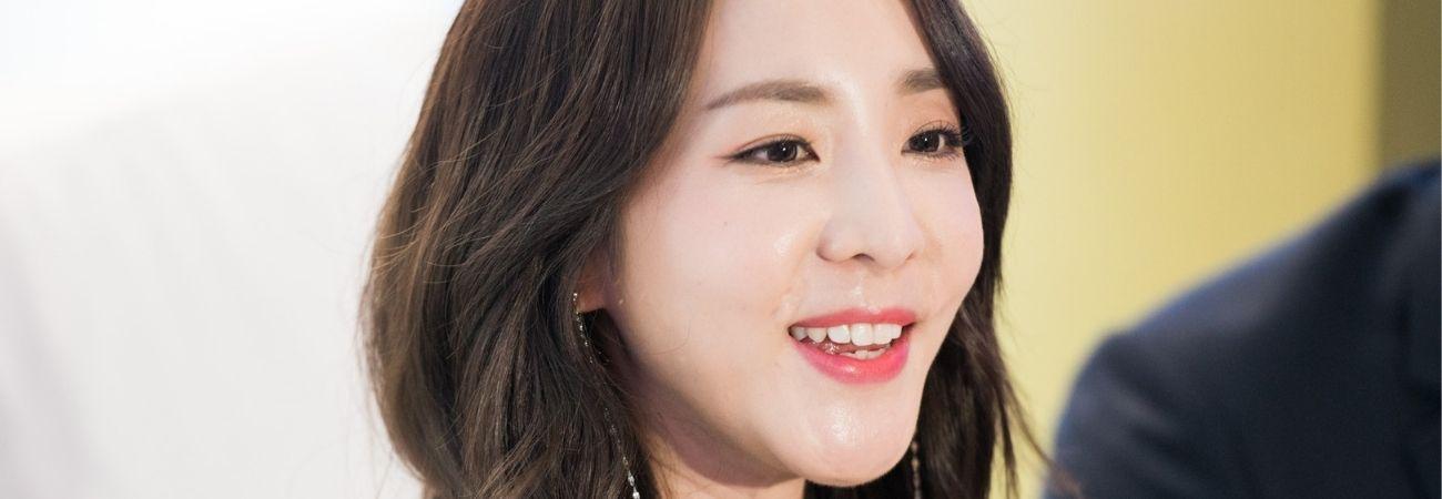 Sandara Park visita el edificio de SM Entertainment con Yeri de Red Velvet como guía