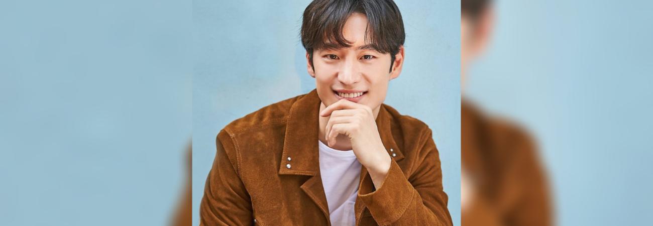 """Lee Je Hoon ya aparece en los carteles de su nuevo drama """"Taxi Driver"""""""