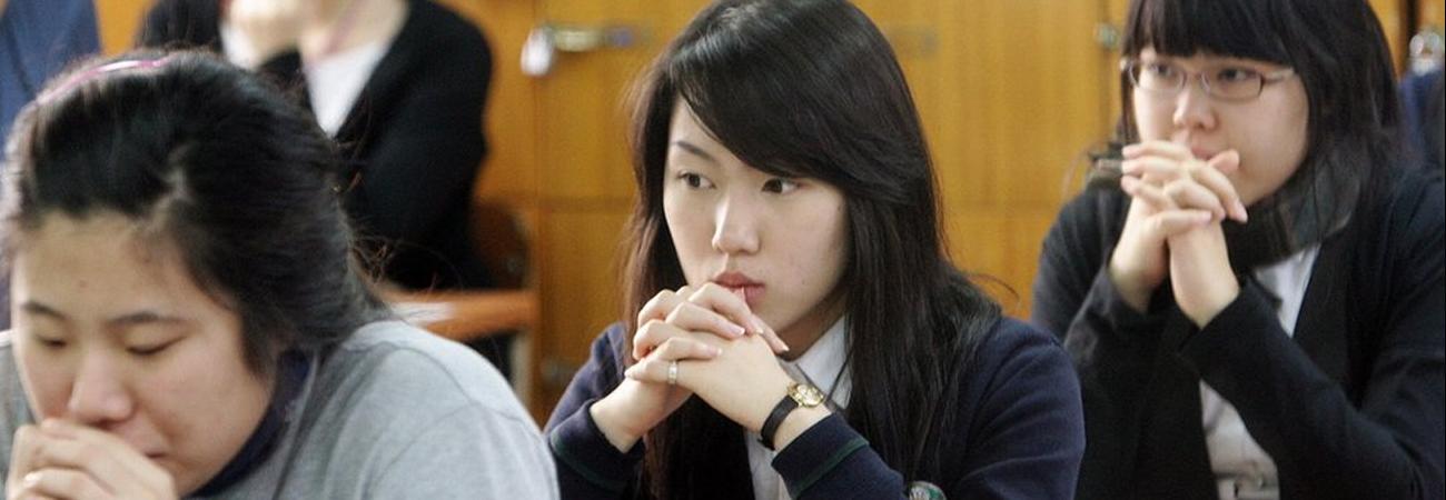 Estudiante de secundaria graba a su madrastra que trata de asesinarla