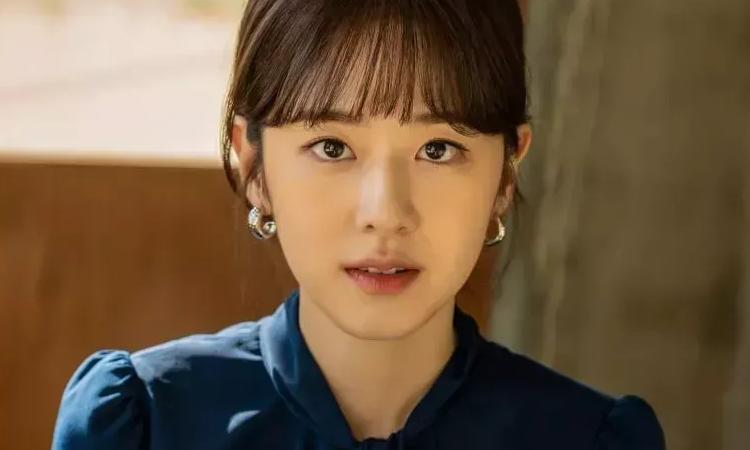 Posponen indefinidamente estreno de Dear.M por controversia de Park Hye Soo
