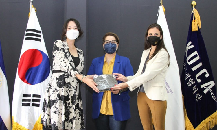 KOICA El Salvador recibe una donación de 90,000 mascarillas