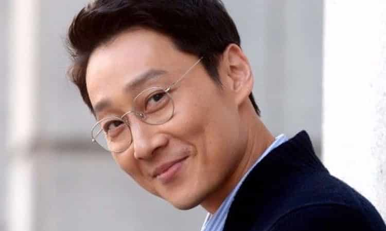 Cube Entertainment se disculpa luego que Lee Hwi Jae vendiera el álbum de Brave Girls