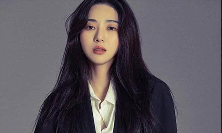 Mina, ex miembro de AOA, publica un mensaje misterioso sobre falsas acusaciones