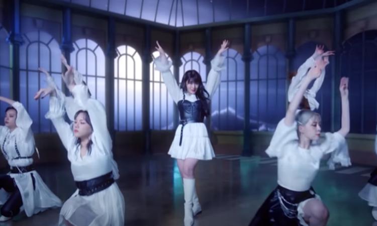 GWSN pinta su propia luna en el MV de 'Like it Hot'