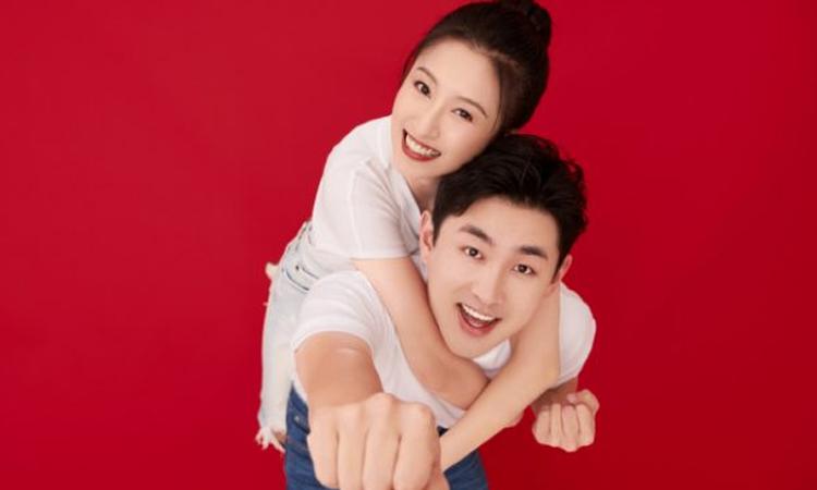 Wang Yanlin se casa con su novia universitaria Ai Jiani