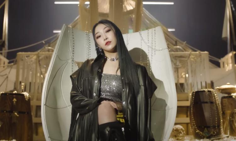 Bling Bling presenta un poderoso film para su comeback con 'Oh MAMA'