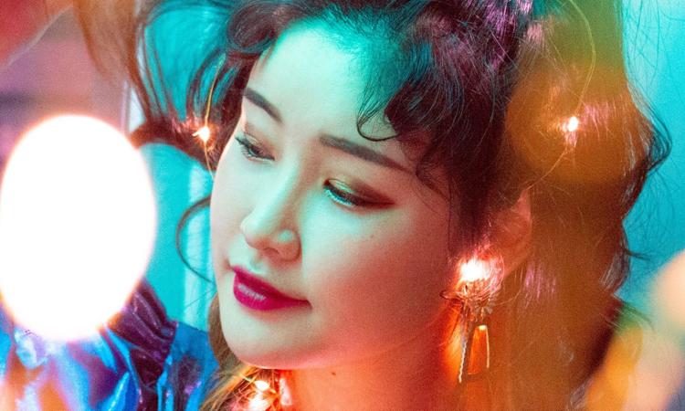 Hyemin hace un unboxing de su álbum 'HOPE'