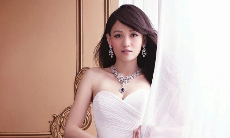 Fans sospechan que la cantante china Joe Chen luce un anillo de compromiso
