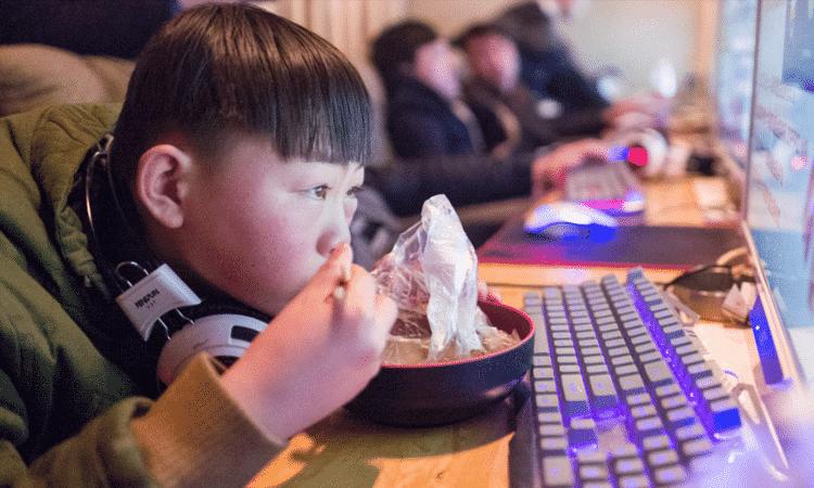 China impone reconocimiento facial para que niños no jueguen videojuegos durante la noche